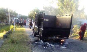 Diduga Curi Sapi, Satu Unit Mobil Pick Up L300 di Nagan Raya Dibakar Massa