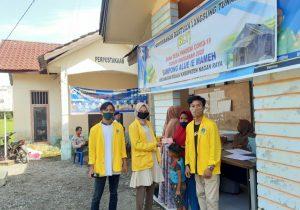 Mahasiswa KKN Tematik UTU di Nagan Raya Bantu Aparatur Desa Bagi Dana BLT Tahap III