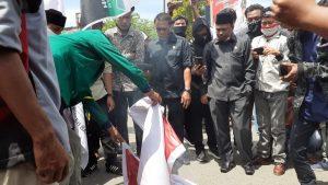 Bentuk Protes, Peserta Aksi GRMMK di Aceh Barat Bakar Bendera PKI