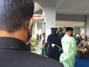 Enam Pelaku Maisir di Nagan Raya Dihukum Cambuk
