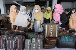 Dukung Kebangkitan UMKM, Dyah Erti Luncurkan Pojok Kreatif di Rest Area Aceh Utara