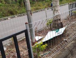 Pamplet Asmaul Husna Jalan Komplek Perkantoran Suka Makmue Terkesan Kurang Terawat