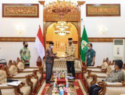 Bupati Simeulue Serahkan Pengelolaan Pelabuhan Sinabang ke Gubernur Aceh