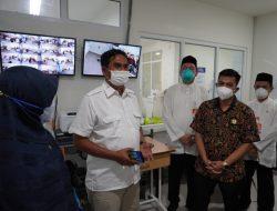 Drs. H. Asib Amin dan Anggota Komisi V DPRA Tinjau RS Lapangan Khusus Layanan Covid-19 di RSUDZA